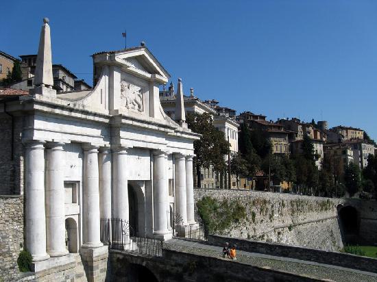 La Città Alta: Porta S.Giacomo