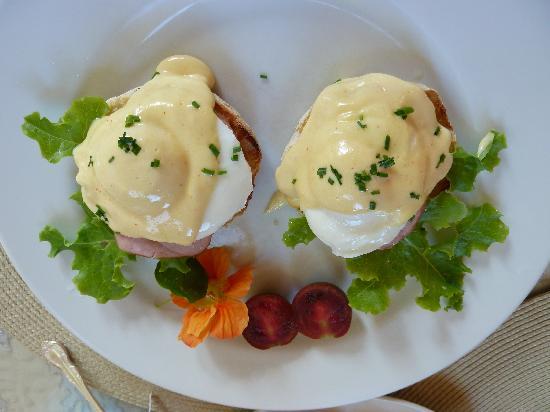 Fairholme Manor: Eggs Benedict