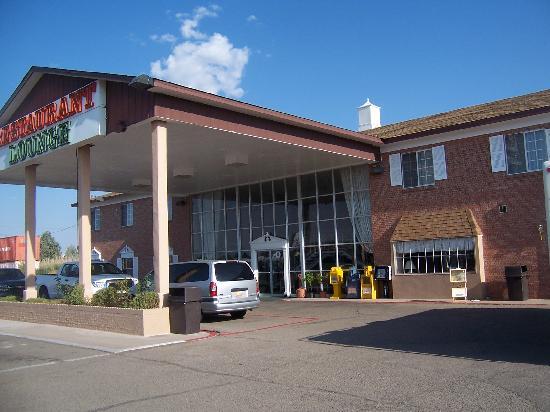 Grand Motor Inn, Hotel & Restaurant: Front of Grand Motor Inn