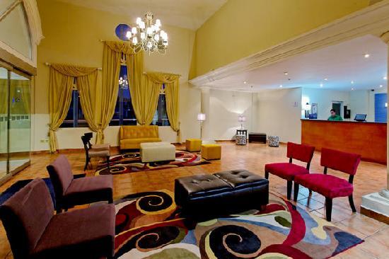 Holiday Inn Express Piedras Negras: Lobby 2