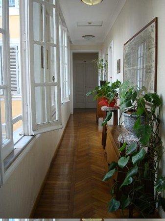 Hotel Suisse: corridors inside hotel