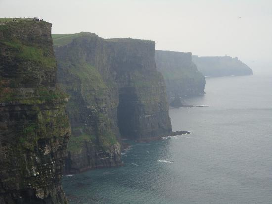 Cliffs of Moher: Yes - those are people - good idea of the height.