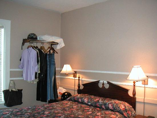 "The Kalispell Grand Hotel: ""Glacier queen"" room - small but pleasant"
