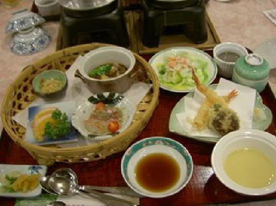 Hotel Mielparque Matsuyama: 宿での夕食。どれもすごく美味しい!