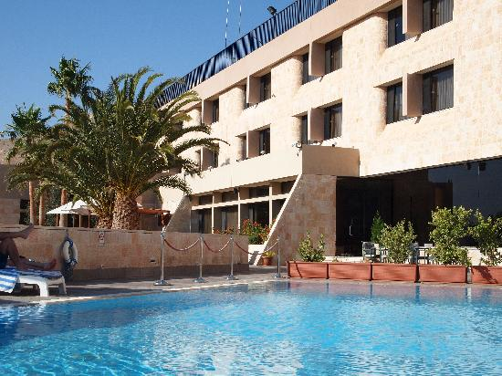 Crowne Plaza Resort Petra: プール