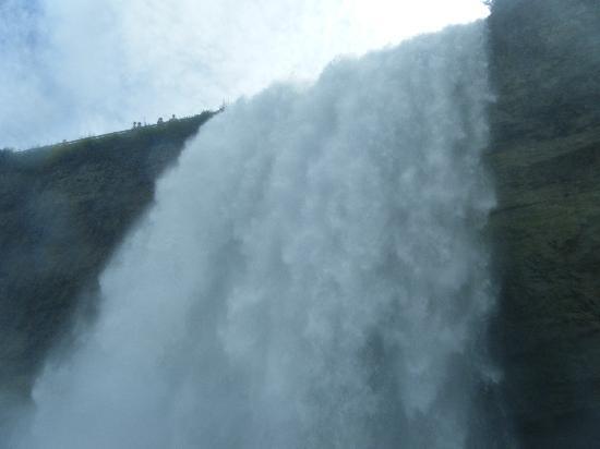 ถ้ำแห่งสายลม: the amazing Bridal Falls