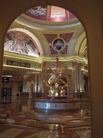 โรงแรมเดอะเวเนเชี่ยน มาเก๊า รีสอร์ท: The Grand Lobby