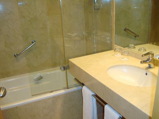 โรงแรมเพรเซียโดส: Banheiro