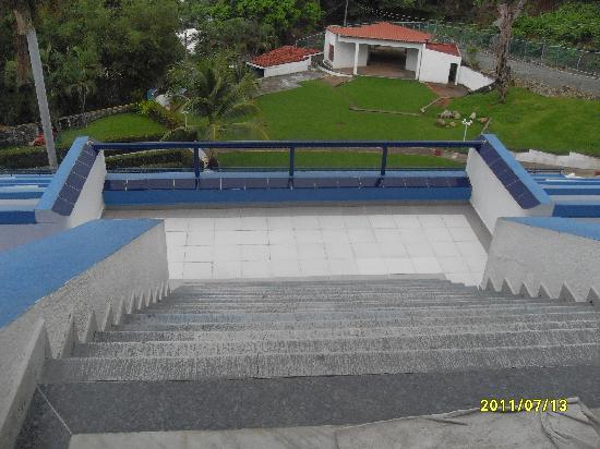 Hotel Aristos Acapulco: PASAMANOS INDISPENSABLE