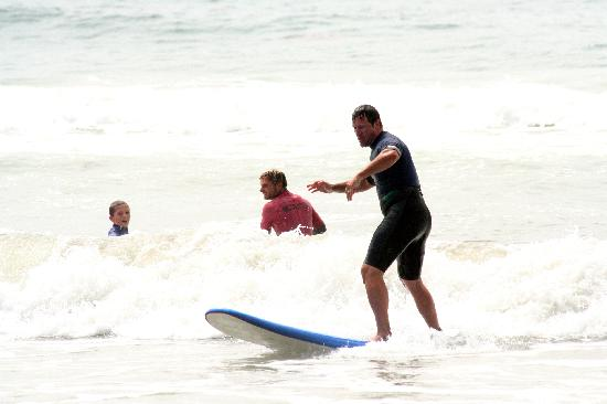 Pacific Surf School: He's up!