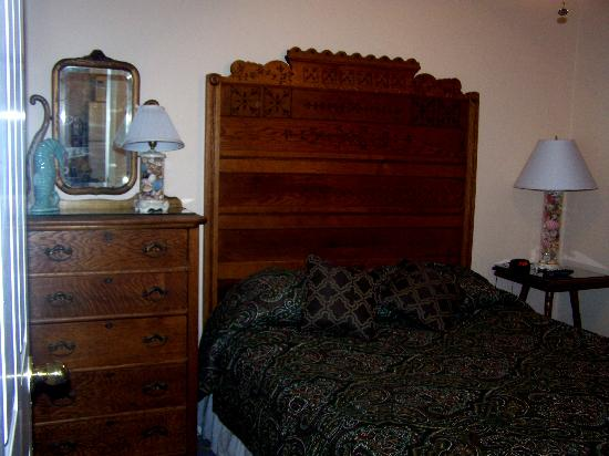 Seahorse Cottages: bedroom