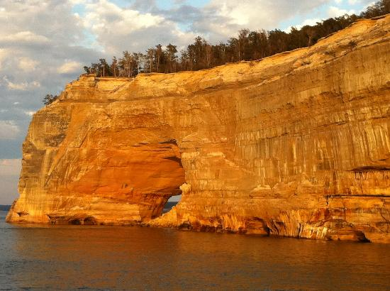 Pictured Rocks National Lakeshore : Sunset at Pictured Rocks
