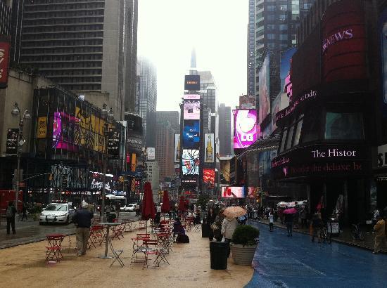 จตุรัสไทม์ส: Times Square (daytime)