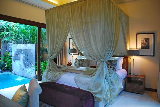 Kanishka Villas: bed room