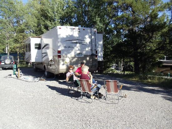 Tunnel Mountain Trailer Court Campground : Relaxing at camp