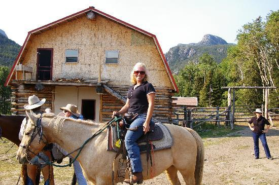 Hawley Mountain Guest Ranch: Bev fell in love with Mac!