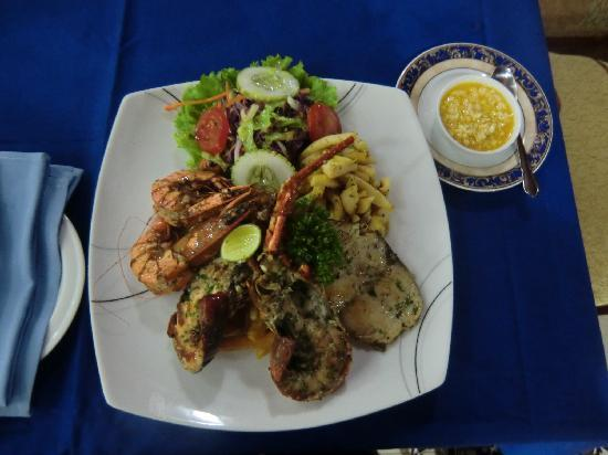 Rani Beach Resort: seafood platter