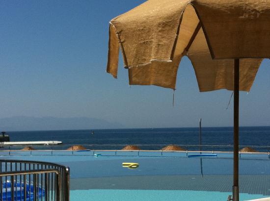 Charisma De Luxe Hotel: the pool...