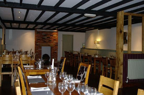 Horse and Groom Inn: DINING ROOM