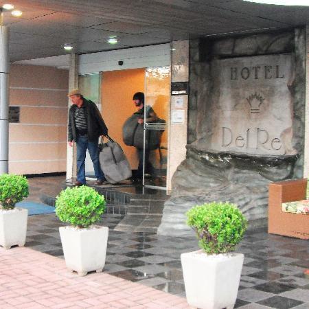 Del Rey Hotel: Entrance to Hotel Del Rey