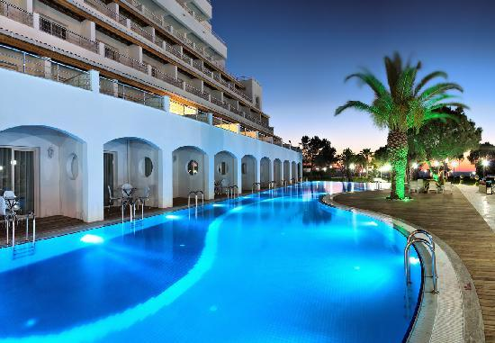 Batihan Beach Resort Spa Kusadasi Turkije Foto S Reviews En Prijsvergelijking Tripadvisor