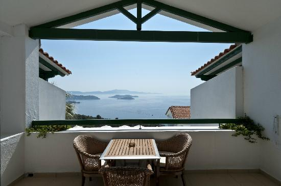 Skiathos Club Hotel Suites: Fantastic view from family room
