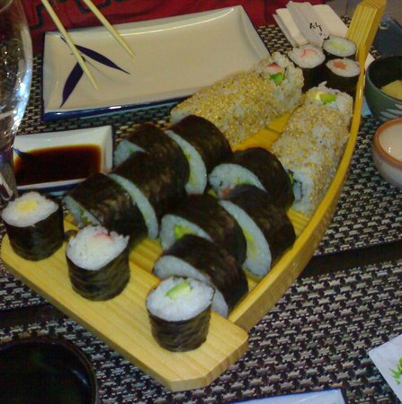 Sushi Zenzero 2 Take Away 5 Terre: sushi zenzero - barchetta