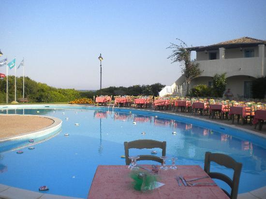 Veraclub Costa Rey: la preparazione della cena di ferragosto a bordo piscina