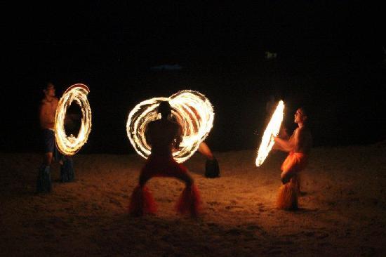 The Warwick Fiji: The fire dancers at the Beach BBQ dinner