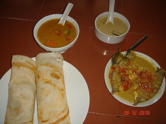 Dazzle Dew : Fish in Coconut curry was Yumm.