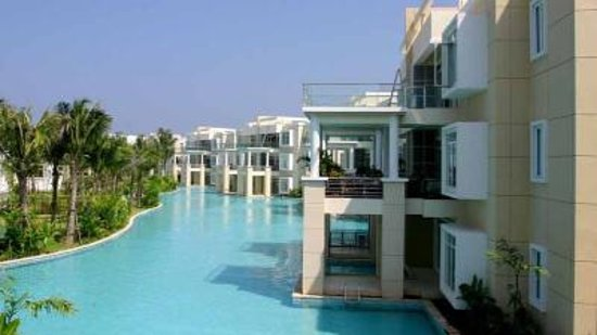Sunvillas Hua Hin Blue Lagoon: Pool view