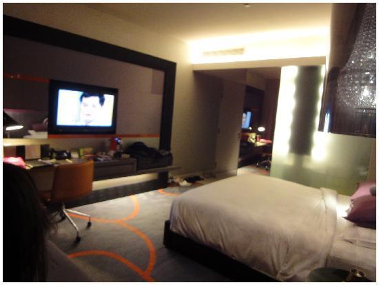 Hard Rock Hotel Singapore: the room