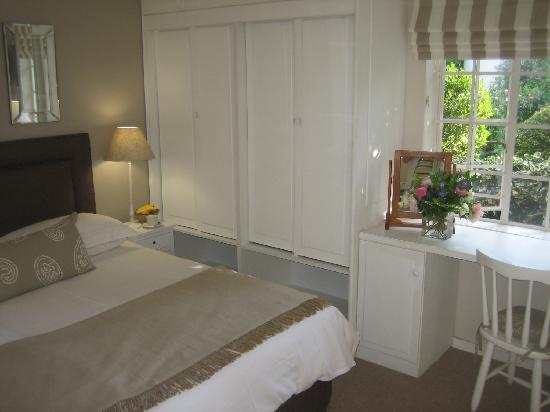 Rutland House Bed & Breakfast: The Garden Room opens onto it's own private garden