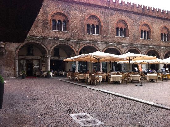 L 39 esterno del ristorante picture of grifone bianco for L esterno del ristorante sinonimo