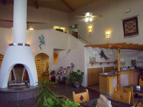 BEST WESTERN Kiva Inn: The lobby