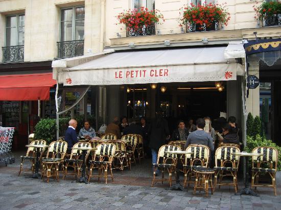 Rue Cler: A favorite café