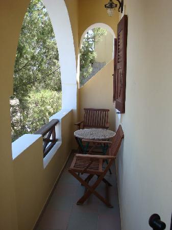 Elkaza Villas: Balcony