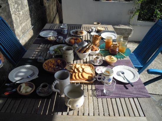 A casa di Anna : la colazione sul terrazzo