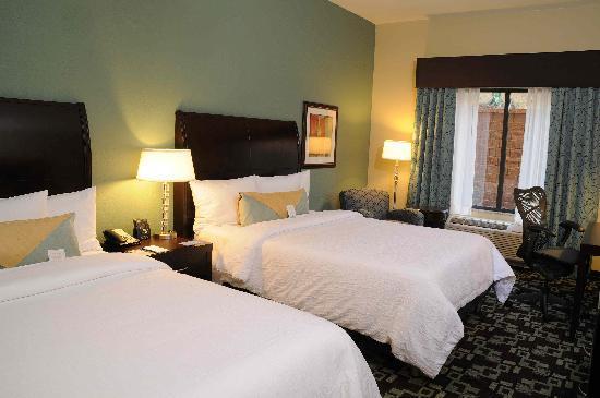 Hilton Garden Inn Cartersville Room