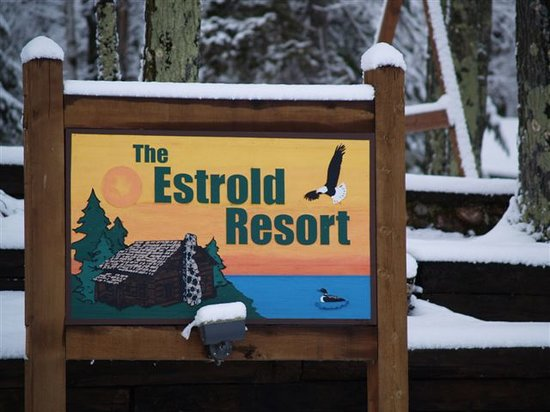 ‪‪Estrold Resort‬: Lake Sign in Winter‬