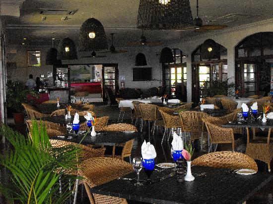 Bel Jou Hotel: Inside restaurant