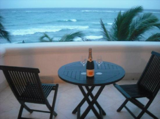Silver Point Hotel: our patio...