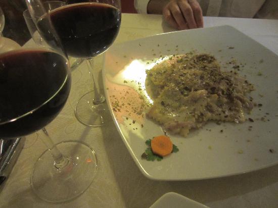 Enoteca Ristorante Gallo Nero: incredible pear/pecorina ravioli