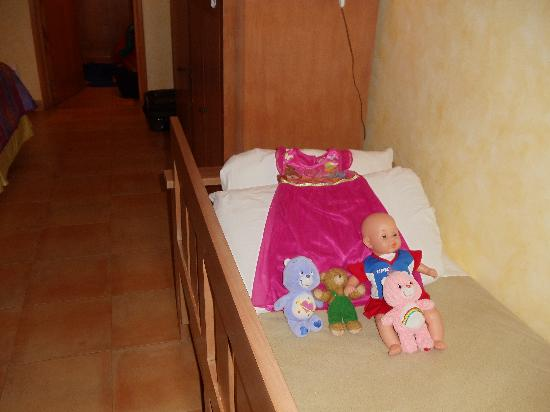 Iberostar Paraiso Lindo: little sofa makes a great comfy bed for a young child