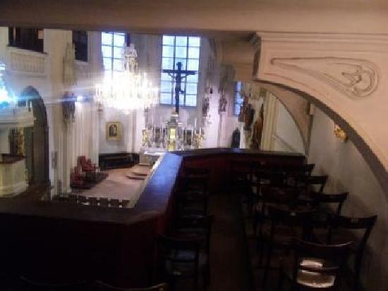 Die Burgkapelle (Home of the Vienna Boys' Choir): 二階席は、こんな感じ