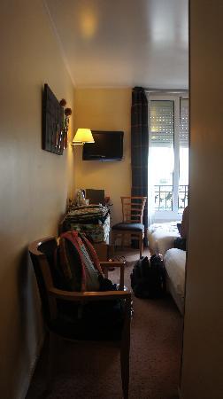 Hotel Magellan: From door into the room