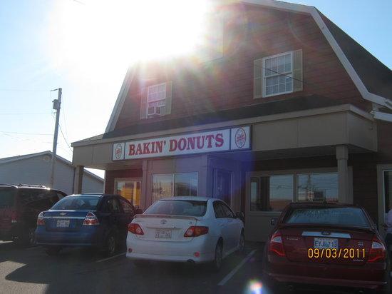 Bakin' Donuts: Front of Bakin Donuts