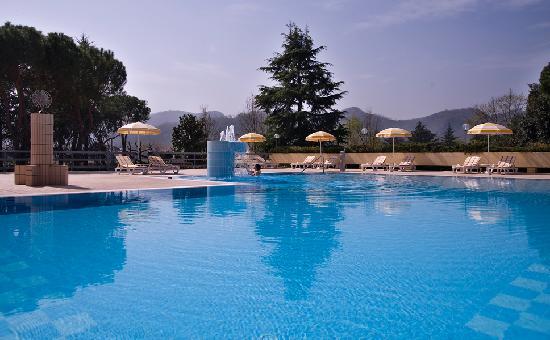 Marco Polo Terme : La piscina esterna