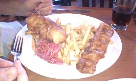 The Red Shoe Pub: Fish and chips