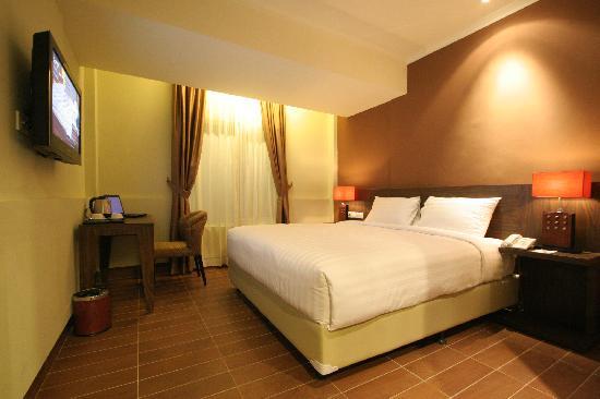Dafam Hotel Cilacap: Deluxe Room